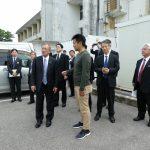 沖縄北方担当大臣へのレンタルバイクサービス説明