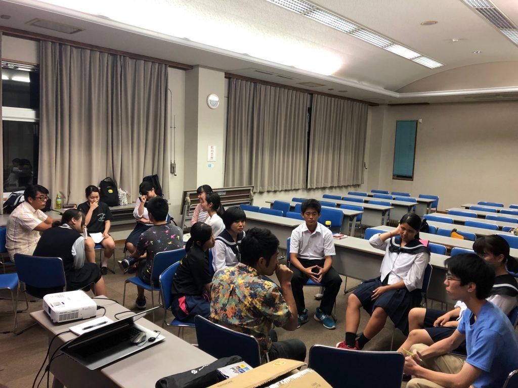 石垣島高校生による電動バイクに関するアイディア議論
